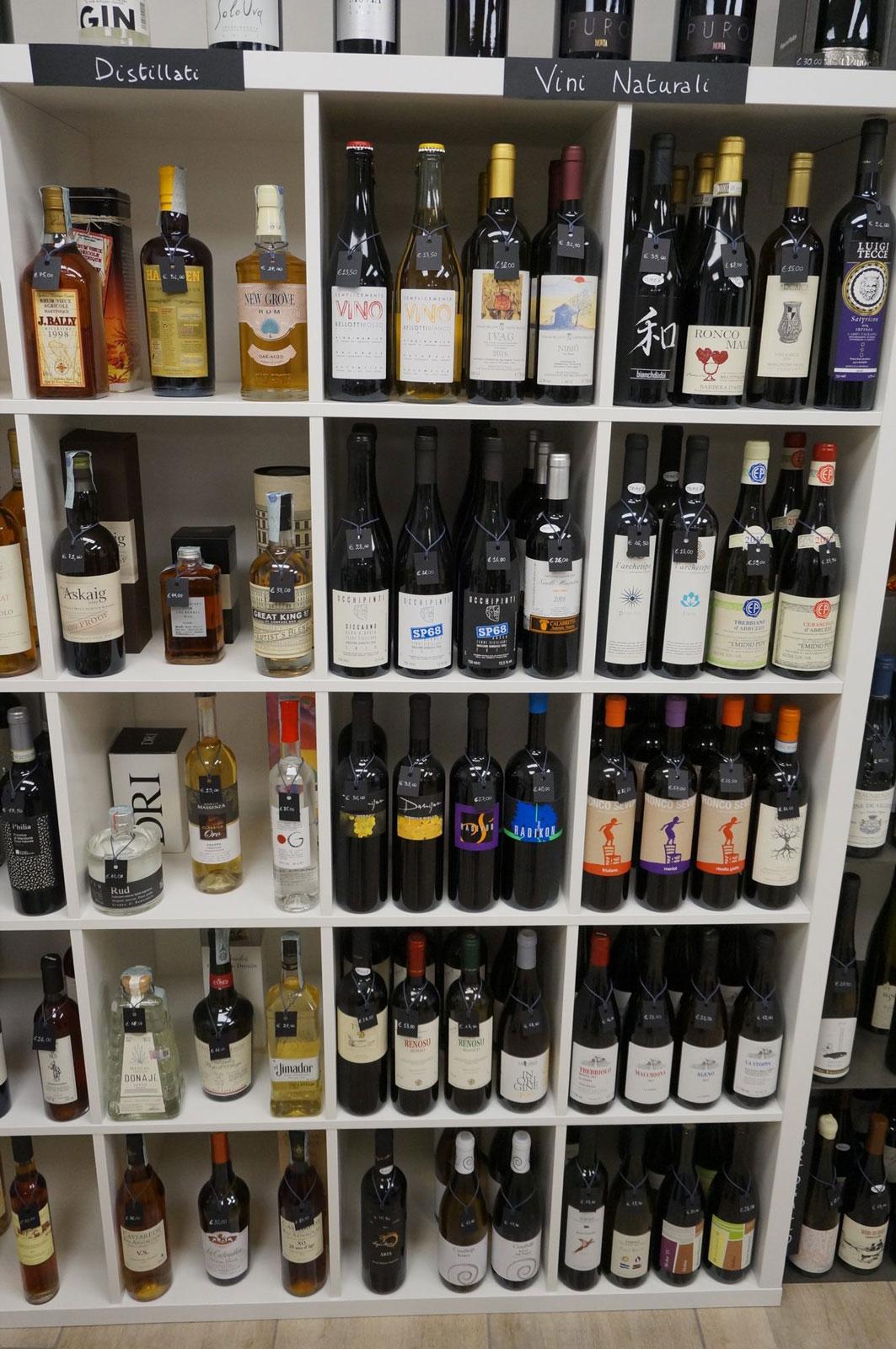 Distillati di grappa, whisky, rum in vendita all'enoteca botrytis